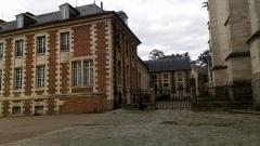 Ancien évéché - Français:   Palais épiscopal d\'Amiens, façade ouest 4
