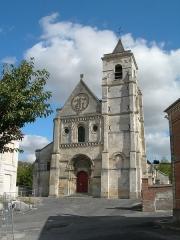 Ancienne église abbatiale, actuellement église paroissiale -  Abbey Church at Berteaucourt - Nice Day