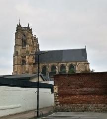 Ancienne abbaye - Abbatiale Saint-Pierre de Corbie extérieur, côté sud 2