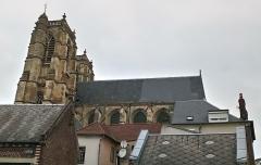 Ancienne abbaye - Abbatiale Saint-Pierre de Corbie extérieur, côté sud 4