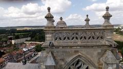 Eglise Saint-Pierre (ancienne abbatiale) - Abbatiale Saint-Pierre de Corbie extérieur, sommet de la tour nord 2