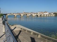 Pont Saint-Laurent, sur la Saône - English: The Saint-Laurent bridge in Macon (Saône-et-Loire, France).