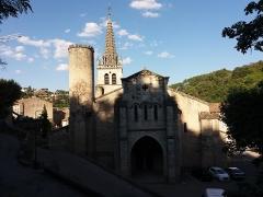 Eglise Notre-Dame-des-Pommiers - Français:   Façade.