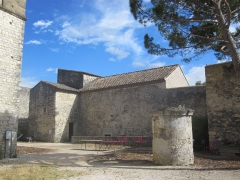 Château des Adhémar ou des Papes - English:   Vue extérieur de la chapelle romane Saint-Pierre du château des Adhémar à Montélimar