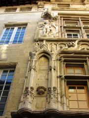 Maison des Têtes - Français:   Maison des têtes (vue partielle) # Valence # Drôme (26) .