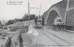 Vieux pont sur le Drac (également sur commune de Claix) -  Tramway de la SGTE qui traverse le Drac à Pont de Claix