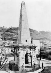 Aiguille (pyramide de la Spina du cirque) -