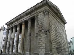 Temple d'Auguste et de Livie - English: Temple of Augustus and Livia in Vienne, Isère, France.