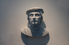 Ancien évêché - English: Bust of Humbert I of Viennois, baron of and Dauphin de Viennois. Copy of a XVIth century bust.