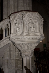 Eglise Notre-Dame - English:  The cuve of the pulpit is adorned with bas-reliefs depicting Christ surrounded by the four evangelists. (19 c.).