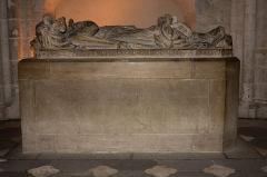 Eglise Notre-Dame - English:  Grave and effigy of the Count Guy IV de Forez.