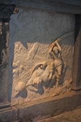 Château de la Bastie-d'Urfé - English: David beheads Goliath; (Detail of the right panel of the altar, chapel of La Bastie d'Urfé castle)