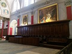 Eglise Saint-Just - Français:   Tableaux et stalles de droite: à gauche La Nativité du Christ, copie de Taraval par Frédéric Legrip, à droite, L\'Annonciation par Hyacinthe Collin de Vermont.