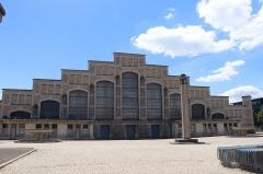 Ancien marché aux bestiaux des abattoirs de la Mouche, actuellement salle des fêtes et salle de concert dite halle Tony Garnier - Polski: Lyon - Hala im. Tony'ego Garniera