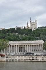 Palais de Justice de Lyon - English: Lyon (France): river Saône, court house and Our-Lady of Fourvières.