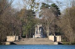 Parc de la Tête-d'Or - Île du souvenir au Parc de la tête d'or, 6 avril 2015