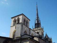Eglise Notre-Dame-des-Marais - Français:   Depuis la place à l\'arrière de l\'église