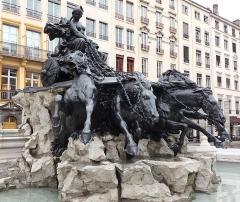Fontaine Bartholdi - Après restauration.