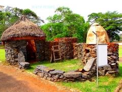 Garage Citroën - case rustique des peuples du nord cameroun