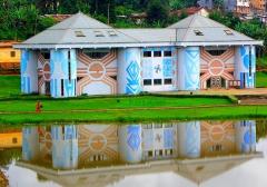Garage Citroën - musée des civilisations africaines situé dans la ville de Dschang dans la Région de l'Ouest Cameroun