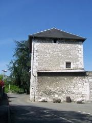 Eglise de Lemenc - English: Sight of tour de Lemenc tower (15th century) in Chambéry, Savoie, France.