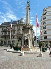 Fontaine des Eléphants - English: Fontaine des éléphants fountain of Chambéry, Savoie, France.