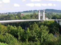 Pont suspendu de la Caille (également sur commune de Cruseilles) - Deutsch: Allonzier-la-Caille, alte Brücke von 1839 über die Caille-Schlucht.