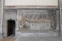 Eglise Saint-Maurice - Français:   Peinture funéraire (milieu XVe siècle) du tombeau de Philibert de Monthoux, conseiller des ducs de Savoie et de Bourgogne, situé dans le chœur de l\'église Saint-Maurice d\'Annecy