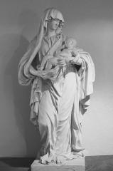 Château - Statue de la Vierge à l'Enfant de la chapelle des appartements privés du château de Clermont.