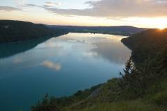 Villages palafittes du lac de Chalain - English: View on Lac de Chalain from Fontenu's viewpoint