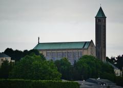 Basilique Notre-Dame de la Trinité - Deutsch: Basilika Unserer Lieben Frau der Dreifaltigkeit von Südosten, Blois, Département Loir-et-Cher, Region Zentrum-Loiretal, Frankreich