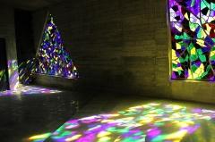 Ermitage de Saint-Rouin, puis chapelle de pèlerinage - Français:   Jeux de lumière à l\'intérieur de la chapelle.