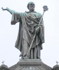 Fontaine d'Urbain II - Deutsch: Denkmal für Urban II. auf der Place de la Victoire in Clermont-Ferrand. Sculptor: Henri Gourgouillon