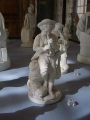 Faïencerie - Français:   Musée lorrain (Nancy); Le joueur de hautbois, faïence de Niderviller, fin XVIIIe siècle