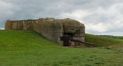 Batterie d'artillerie de Longues - English:   German WWII gun and bunker, batterie de Longues-sur-Mer, Calvados, Normandy, France.