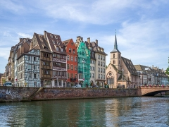 Eglise protestante Saint-Nicolas - English: Waterfront on the Ill canal and Saint Nicholas church in Strasbourg.