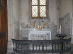 Eglise Saint-Amé - Français:   Autel à la droite de la sortie, Église Saint-Amé, Plombières-les-Bains (Vosges, Lorraine, France)