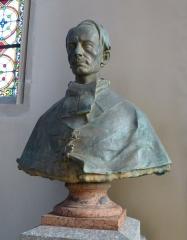 Eglise Saint-Amé - Français:   Plombières-les-Bains (Vosges): buste de l\'abbé Ménestrel, curé de Plombières, dans l\'église Saint-Amé. 15 août 1898.