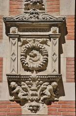 Hôtel Thomas ou Thomas de Montval - Français:   Hôtel Thomas de Montval, XXème siècle. Toulouse. Avec date 1904 en chiffres romains.
