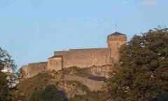 Château fort - Deutsch: Die Burg von Lourdes in Frankreich