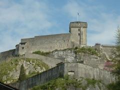Château fort - Lourdes (Hautes-Pyrénées, Midi-Pyrénées, France): château, vue de l'ouest.