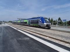 Rotonde et halle-atelier ferroviaires - English: Bibi TER Picardie B 82665/666 in Laon station