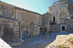 Château de Simiane - Deutsch: Chateau de Simiane-la-Rotonde, Wohngebäude u. Donjon von NO