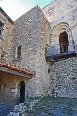 Château de Simiane - Deutsch: Chateau de Simiane-la-Rotonde, Tredppenhaus u. Hauptportal von NO