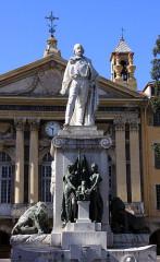 Monument à Garibaldi - English: Nice (Nizza) Place Garibaldi