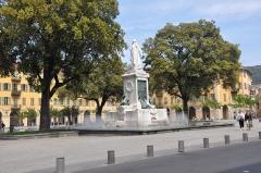 Monument à Garibaldi - English: Statue of Garibaldi on the place Garibaldi in Nice, France.