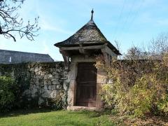 Ancienne grange monastique de Séveyrac - Français:   Porte du jardin potager de la grange monastique de Séveyrac