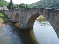 Pont dit d'Estaing (également sur commune de Sébrazac) - English: Estaing, Aveyron, FRANCE