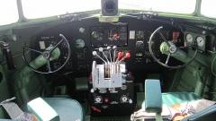 Batterie d'artillerie de Merville - English: Restored cockpit of the C-47 SNAFU special