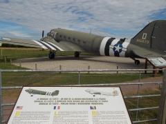 Batterie d'artillerie de Merville -  il douglas 43 trasporto paracadutisti